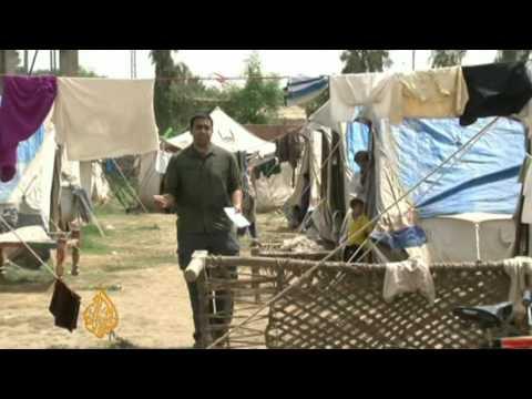 Salt Water, Slow Aid threaten Sindhis Displaced in Pakistan