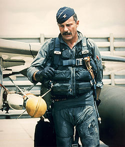 250px-Robin_Olds_during_vietnam_war