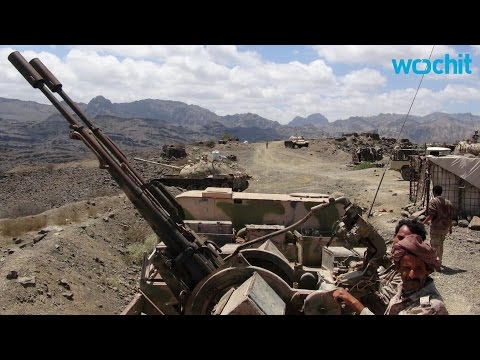 As Aden falls to Houthis & Saudis Bomb, Yemenis buy up Food, Fuel