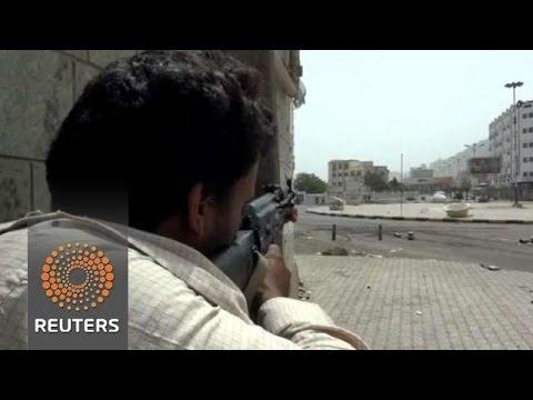 Yemeni Refugees flee to Saudi Arabia as Aden is invaded & Sanaa bombarded