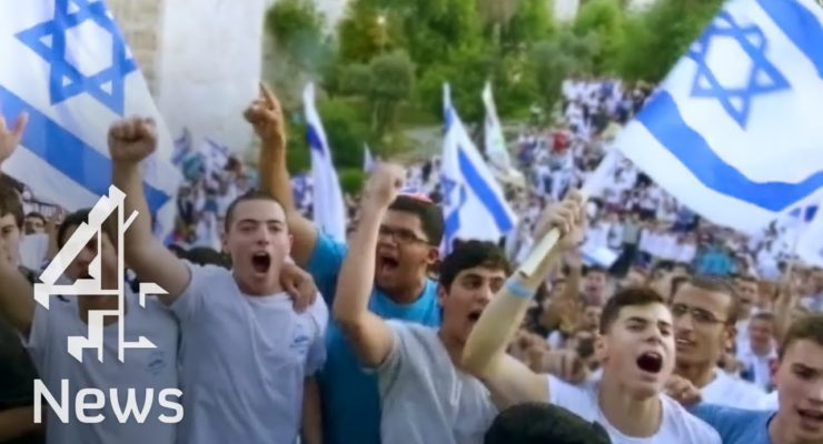 Israel's Ultranationalist Squatters March in Jerusalem, beat Palestinian Journalist