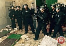 Jerusalem: Israeli forces, extremist Jews, storm Aqsa mosque compound