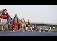 As Germans welcome 1000s of Refugees, EU, Turkey Wrangle over Crisis