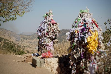 prayer_cloths_on_mount_arafat_in_the_yezidi_holy_site_of_lalish_kurdistan_region_1
