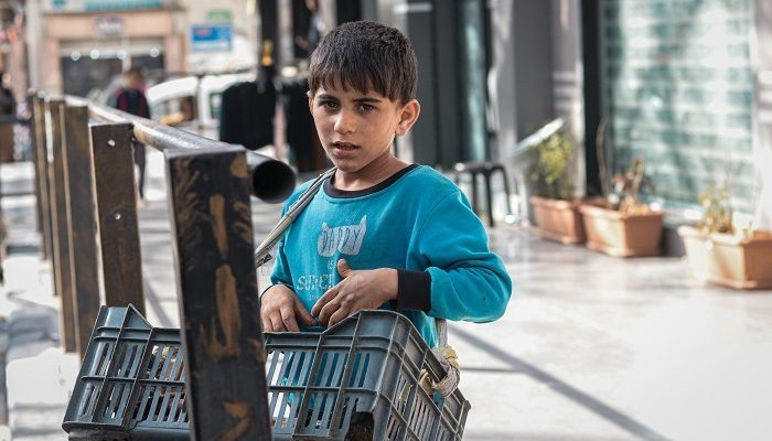 Gaza's children choose between working and starving